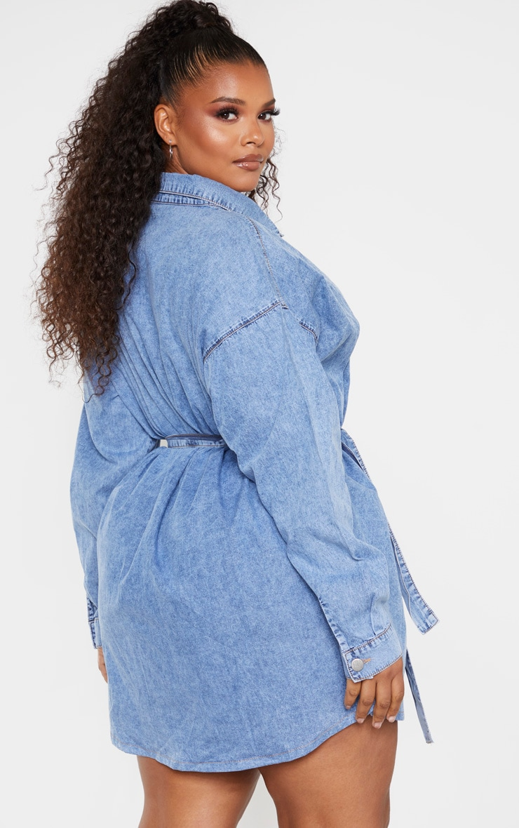 Plus Mid Blue Acid Wash Belt Detail Denim Dress 2