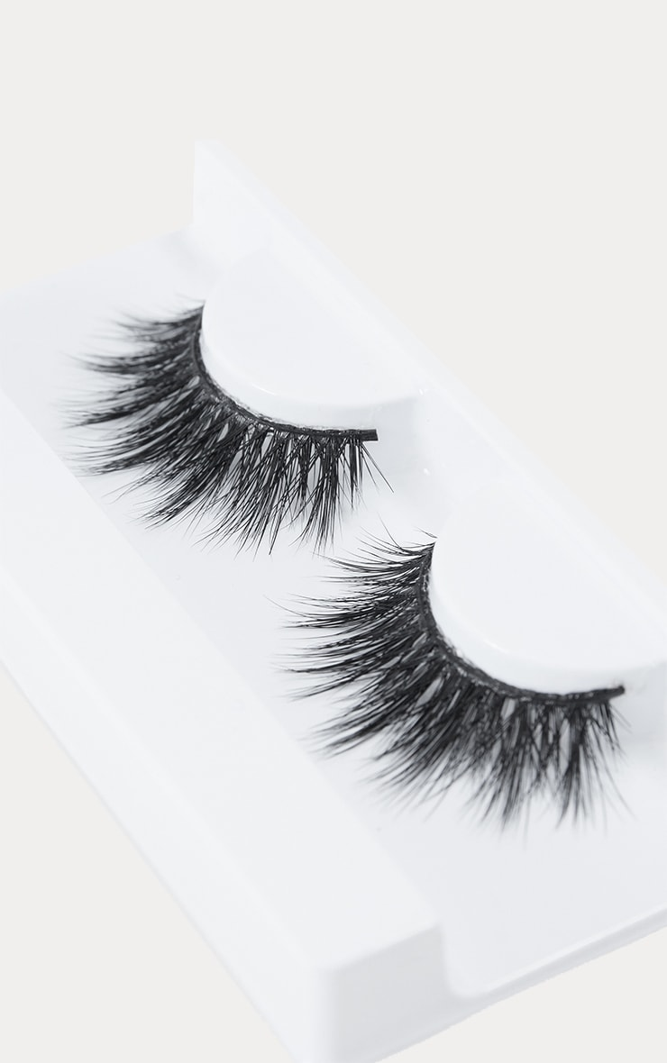 Land of Lashes Belle Lash 3