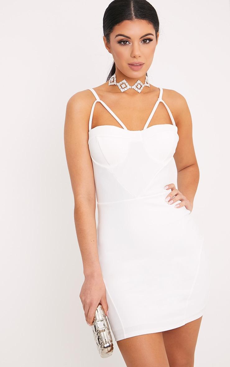 Carrie robe moulante blanche à empiècements en crêpe 1