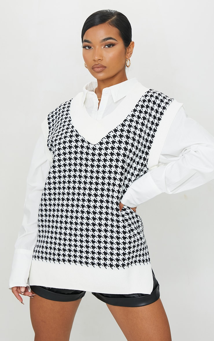 Monochrome Dogstooth V Neck Knitted Side Split Vest 3