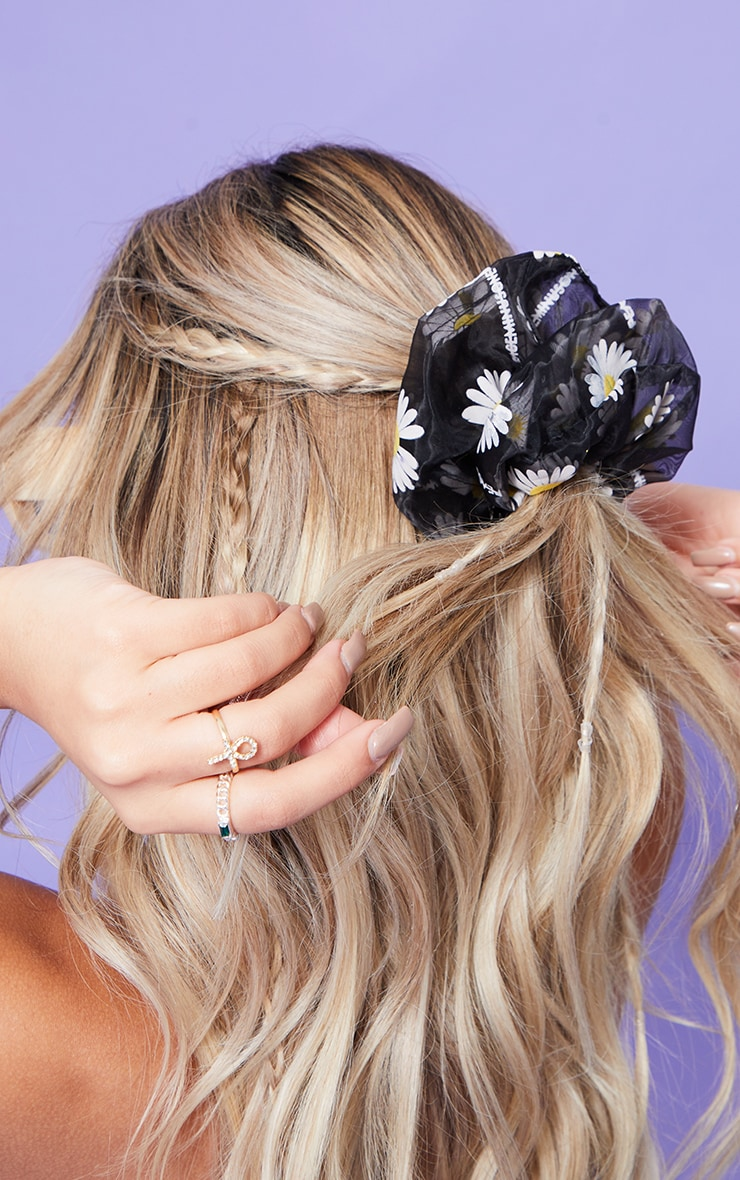 Black Mesh Daisy Oversized Scrunchie 2