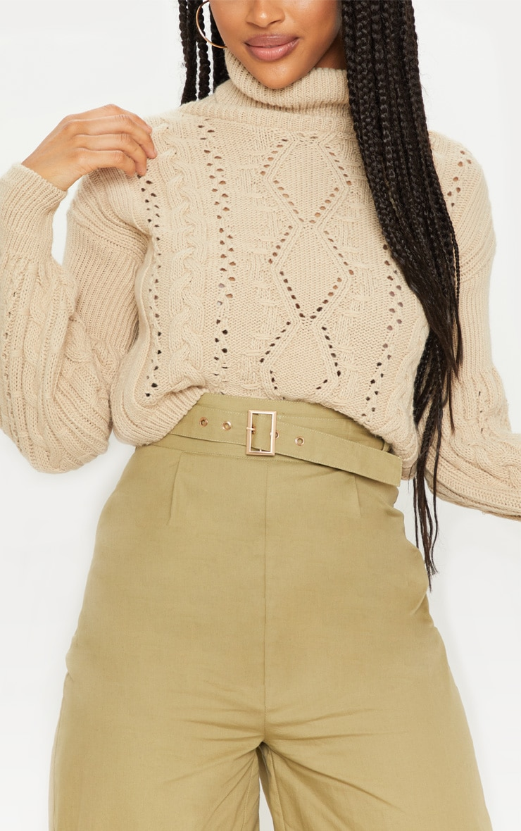 Stone Cropped Cable Knitted Sweater  5