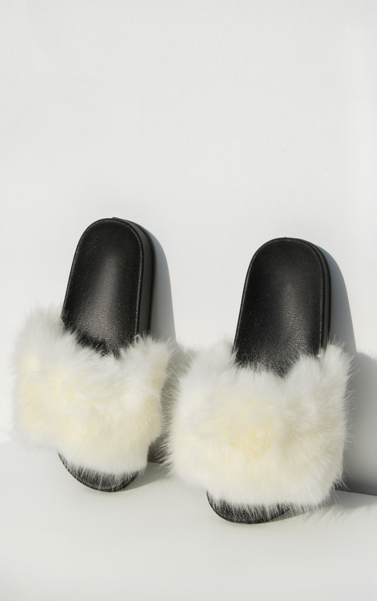 White Faux Fur Strap Sliders 3