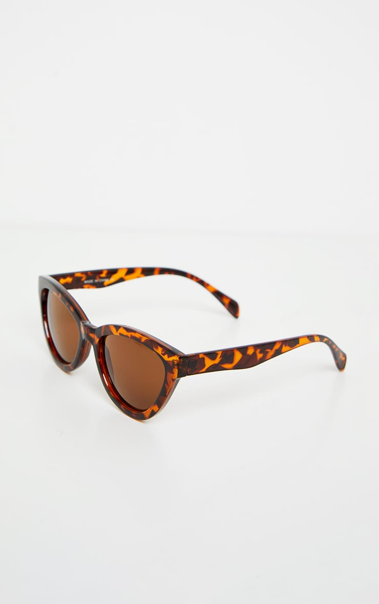 Lunettes de soleil oversized marron écaille de tortue style oeil de chat 3