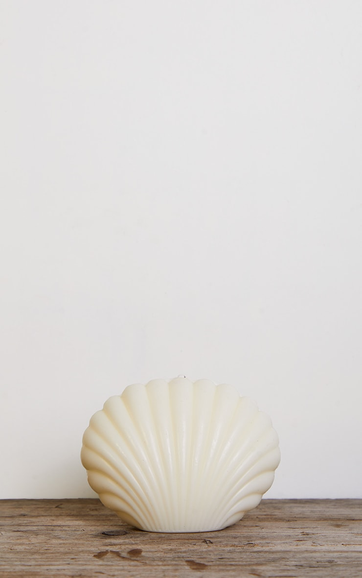 Cream Shell Candle 3