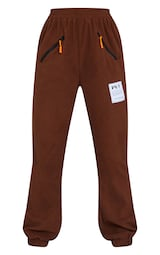 PRETTYLITTLETHING Chocolate Brown Badge Detail Fleece Joggers 5