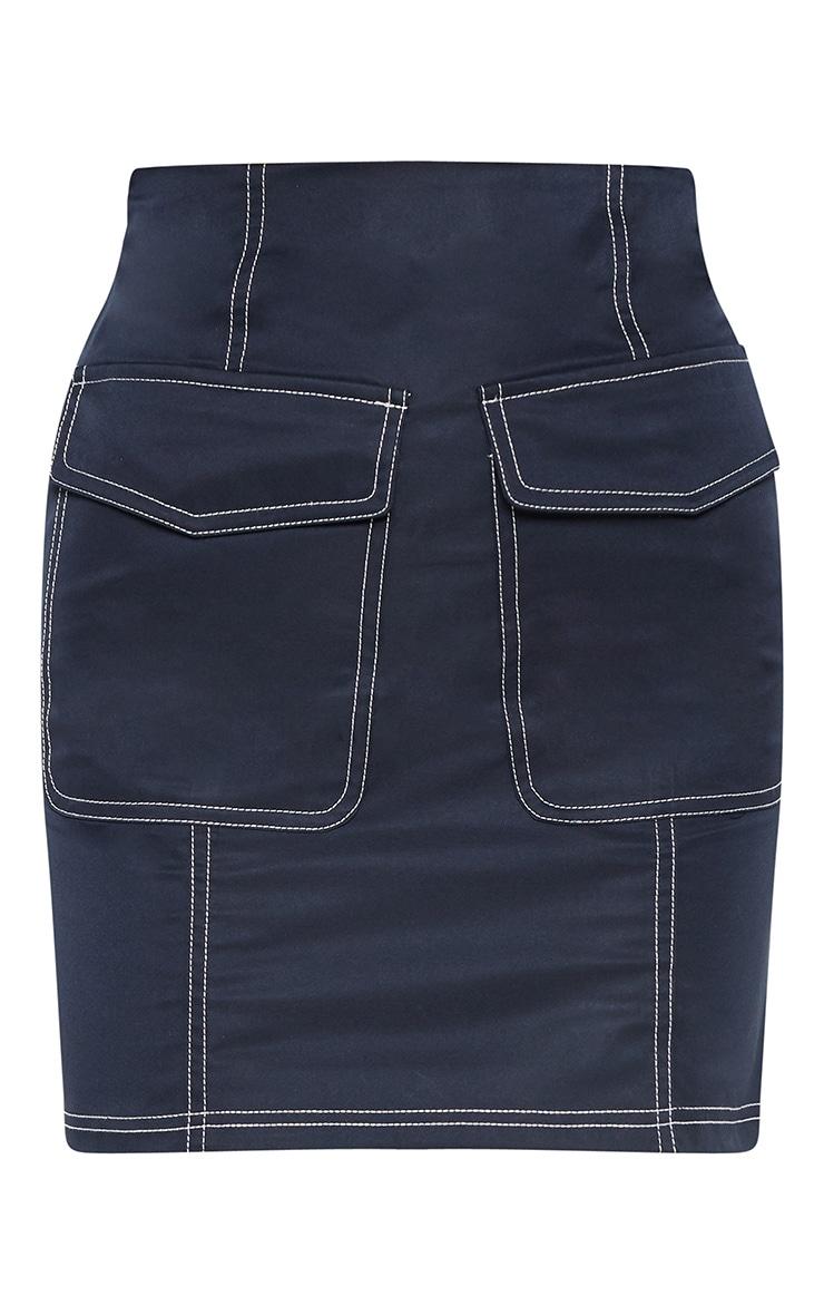Mini-jupe bleu marine à coutures contrastées et poches 3