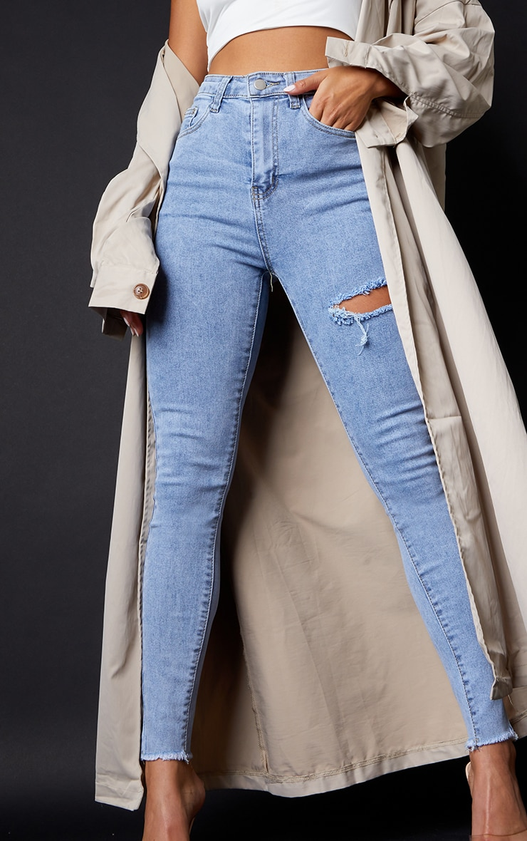PRETTYLITTLETHING Petite Vintage Wash Thigh Rip Raw Hem 5 Pocket Skinny Jean 4