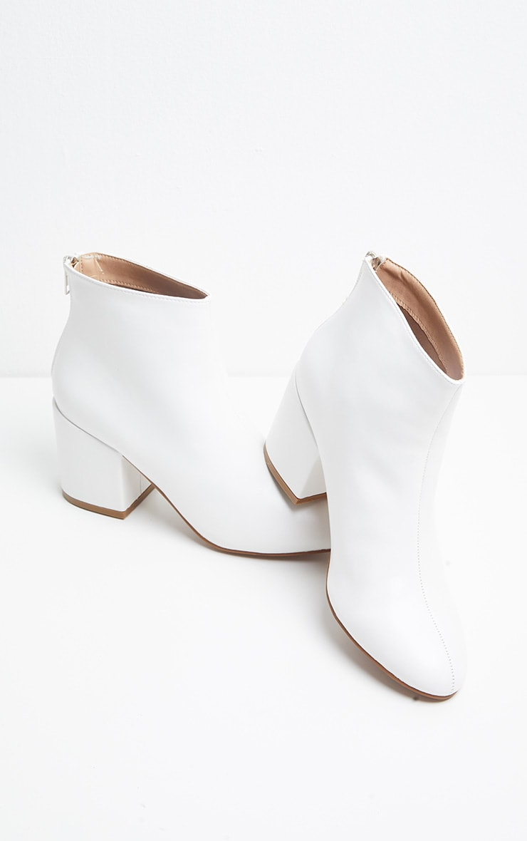 White PU Zip Back Ankle Boot 3