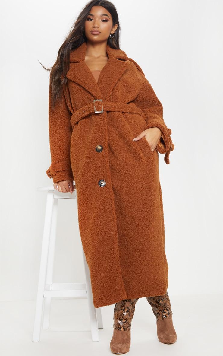 Manteau oversized en faux mouton marron à détail ceinture 1