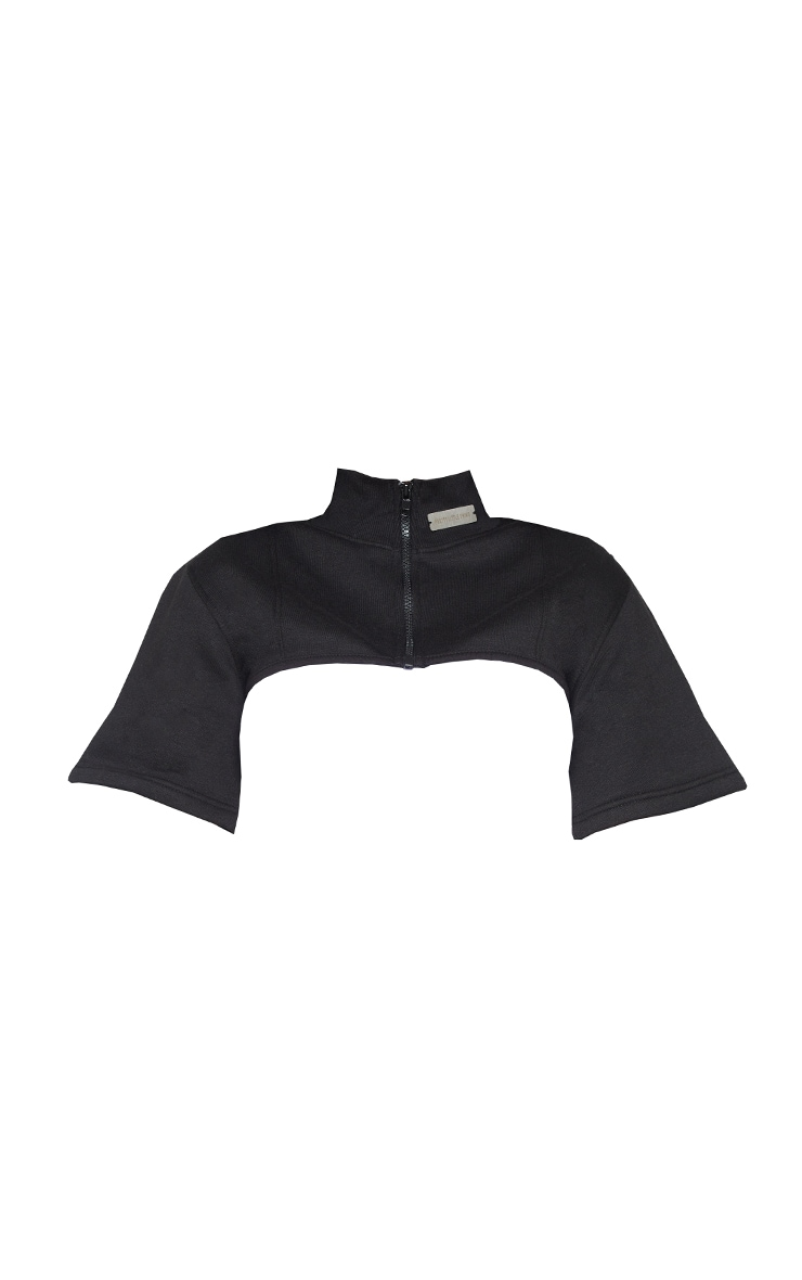 PRETTYLITTLETHING Shape Black Badge Detail Cropped Sweater 4