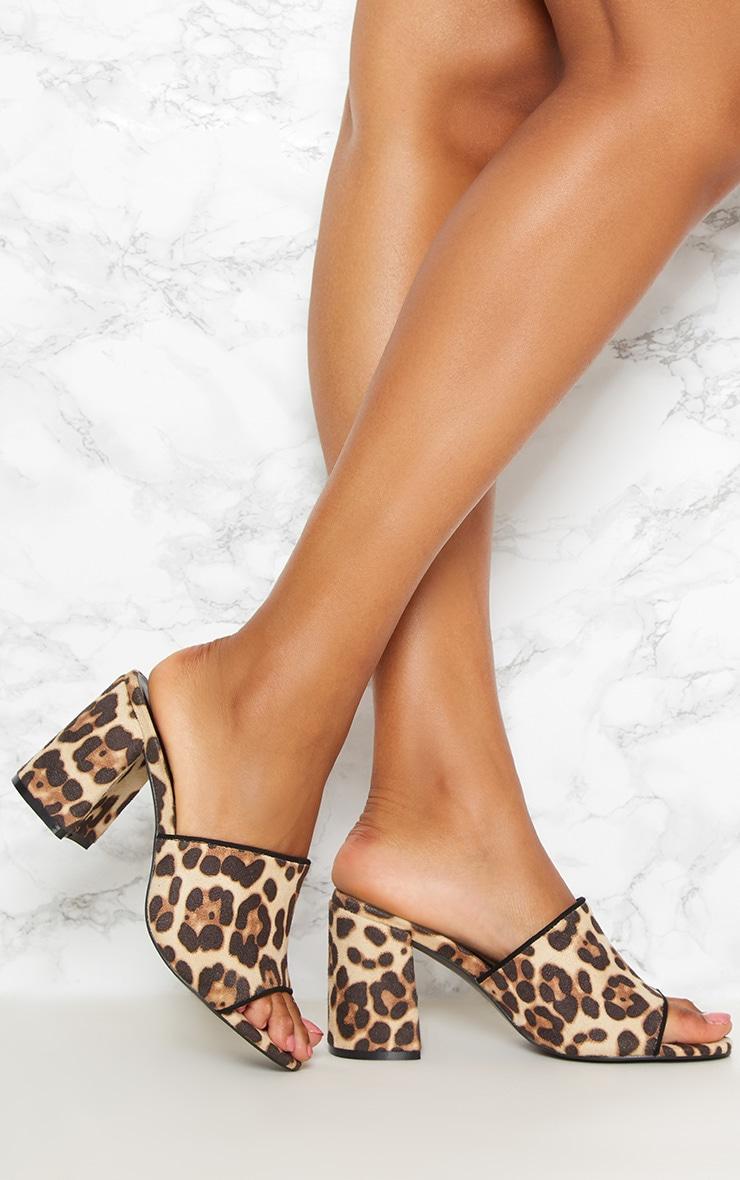 Mules léopard à talons épais  1