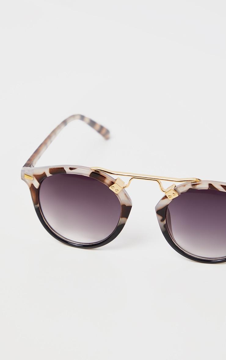 Grey Tort Gold Brow Bar Round Sunglasses           3