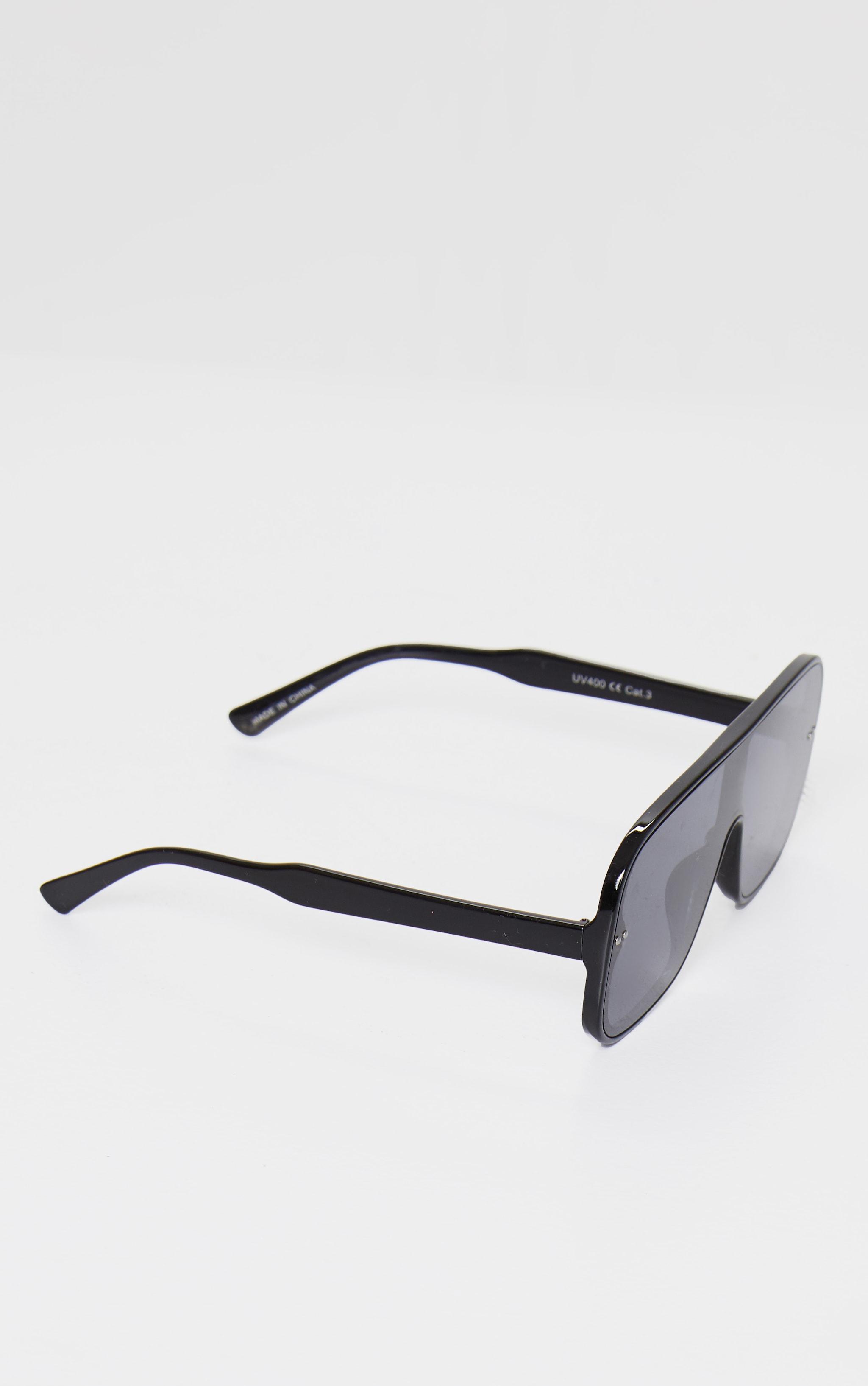 Black Oversized Flat Sunglasses 3