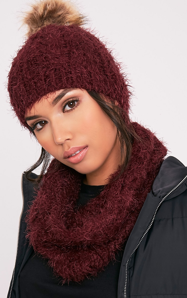 Two Pack Burgundy Knitted Beanie and Snood 3