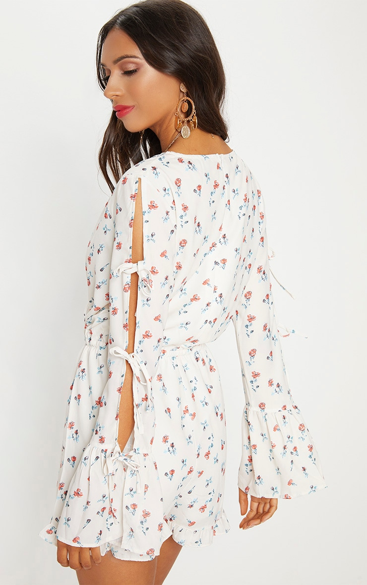 Cream Floral Split Sleeve Romper 2