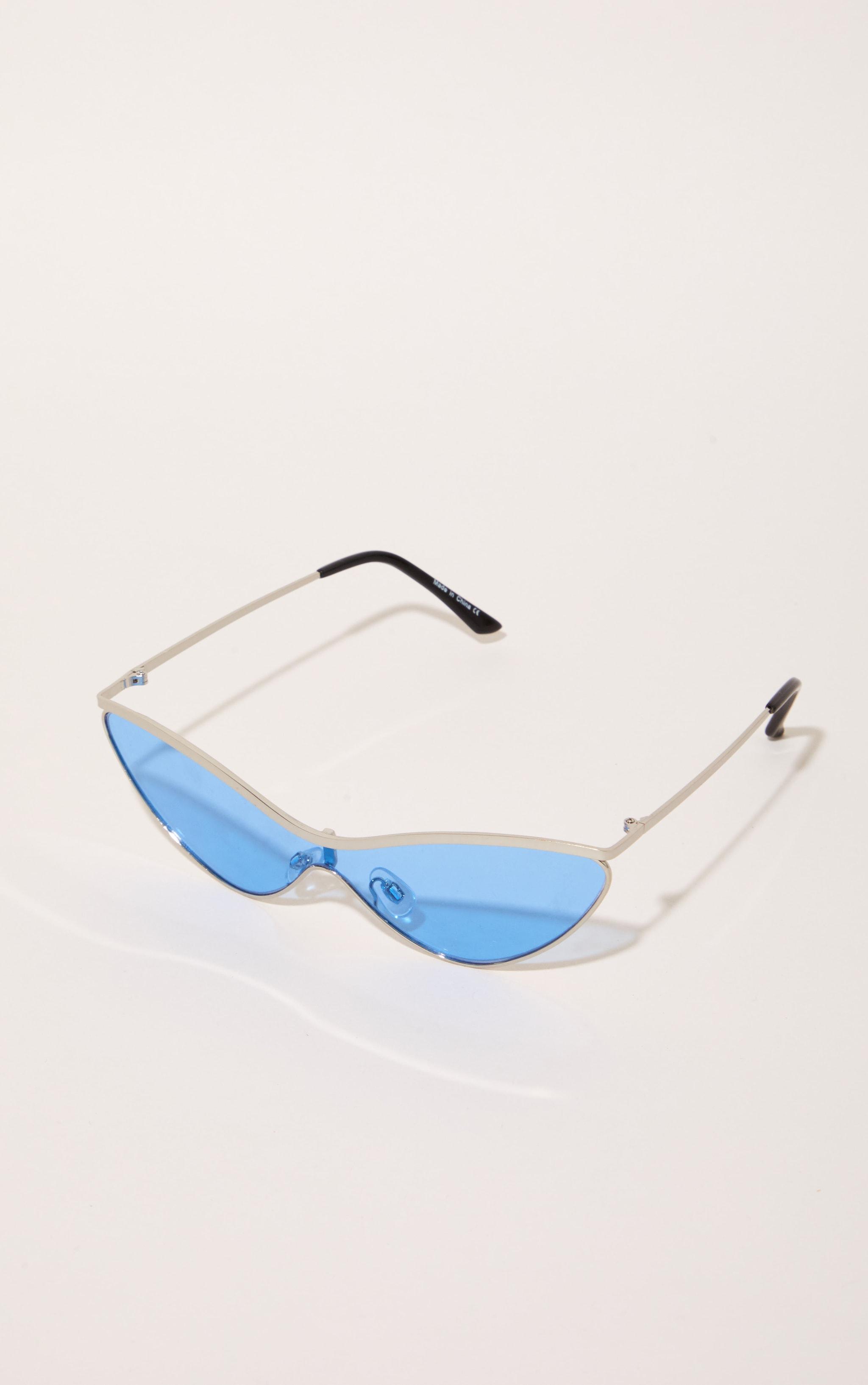 Light Blue Extreme Cat Eye Sports Sunglasses 3