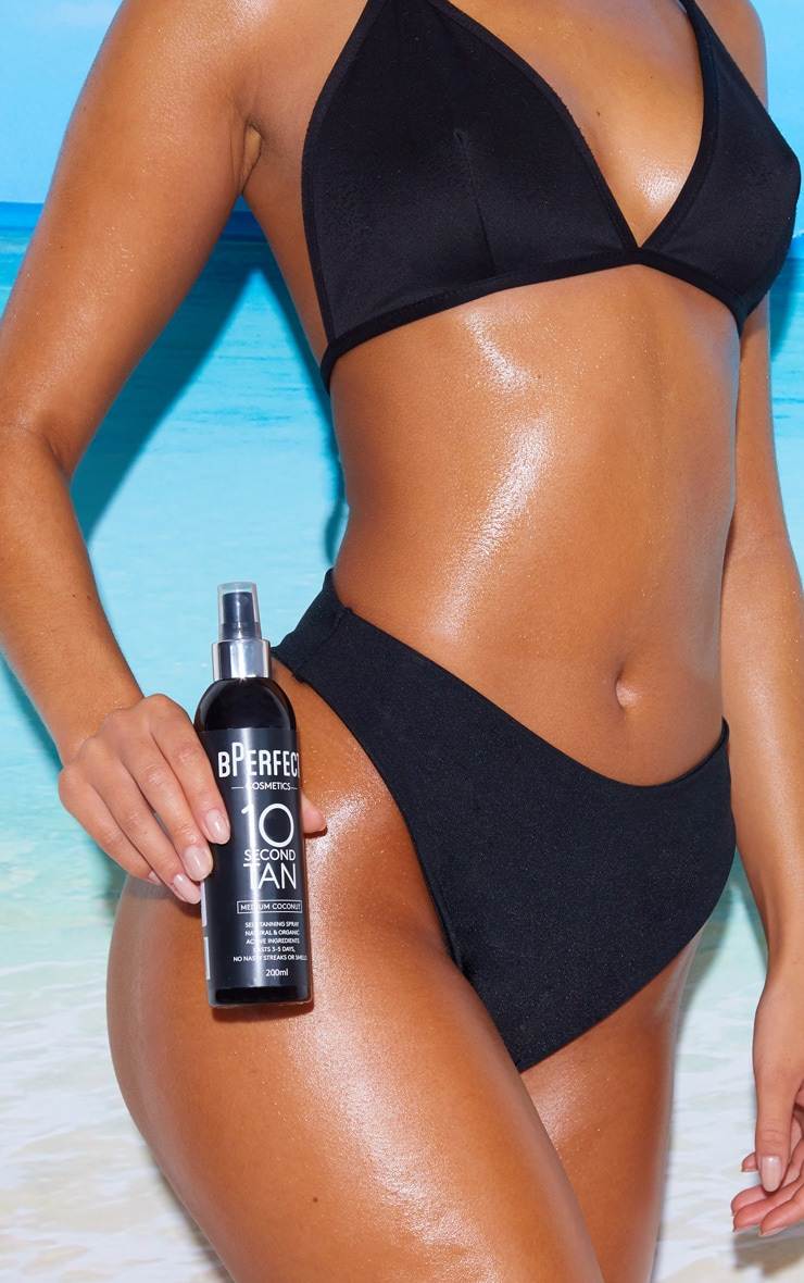 BPerfect 10 Second Tan Medium Coconut Liquid 3
