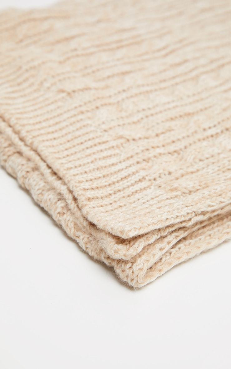 Cream Cable Knit Scarf 2