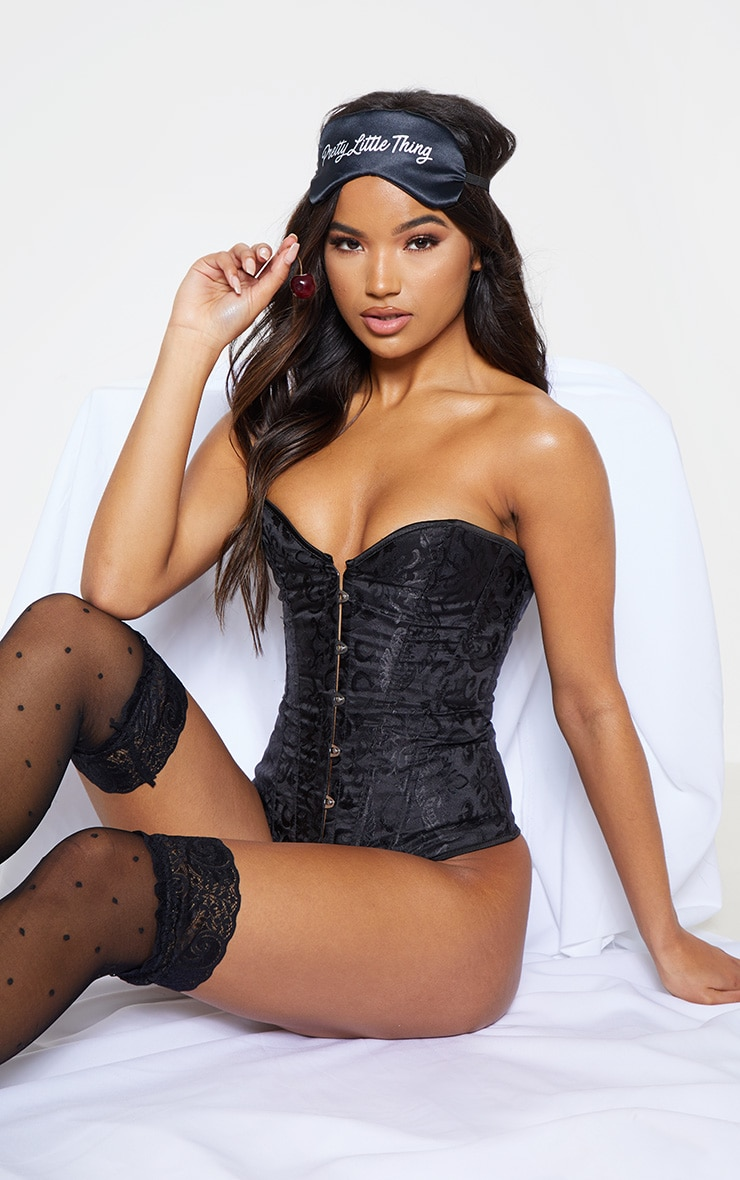 Black Hook Front Ribbon Corset