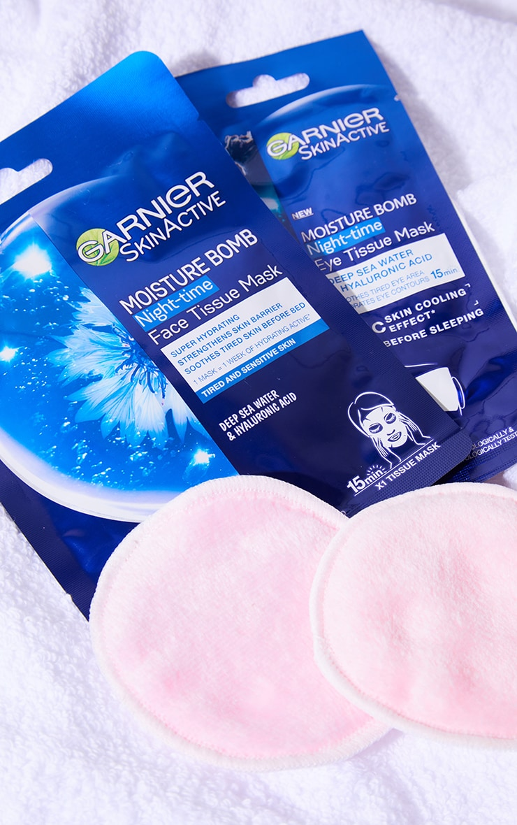 Garnier Moisture Bomb Night-Time Deep Sea Water and Hyaluronic Acid Eye Sheet Mask 3