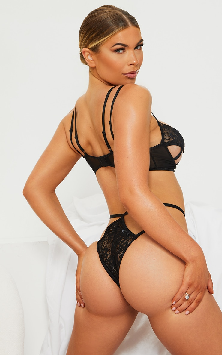 Black Harness Strappy Underwired Lace Lingerie Set 2
