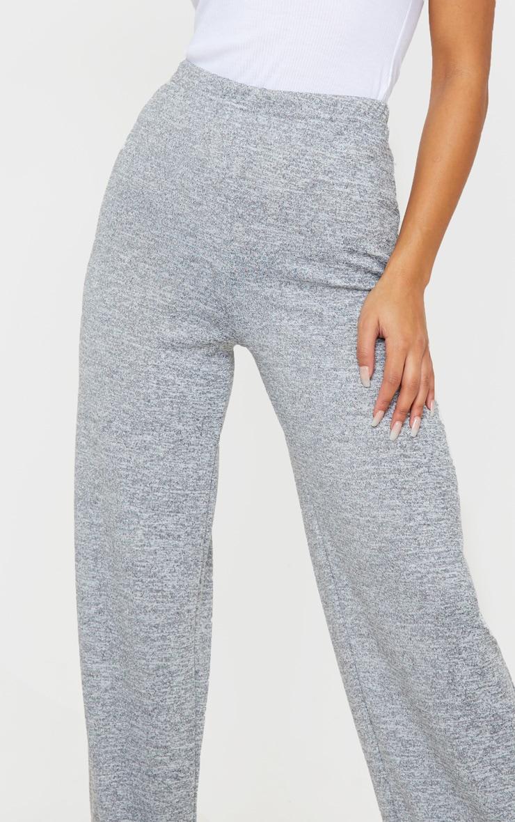 Pantalon gris chiné à jambes évasées 5