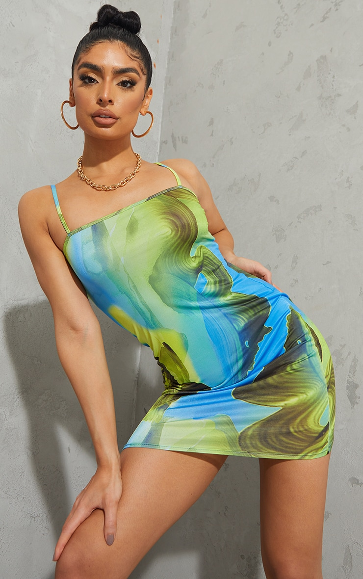 Robe moulante slinky bleu imprimé abstrait à bretelles fines 1