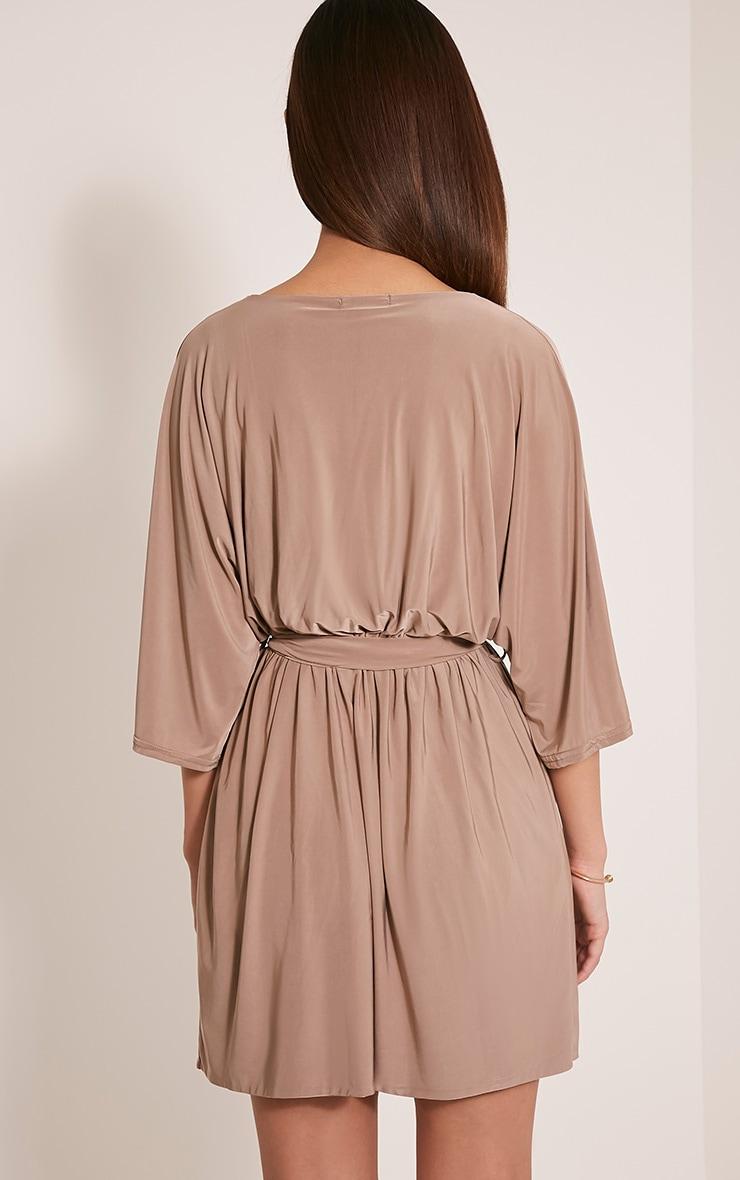 Martie robe mini à manches kimono devant cache-cœur taupe 2