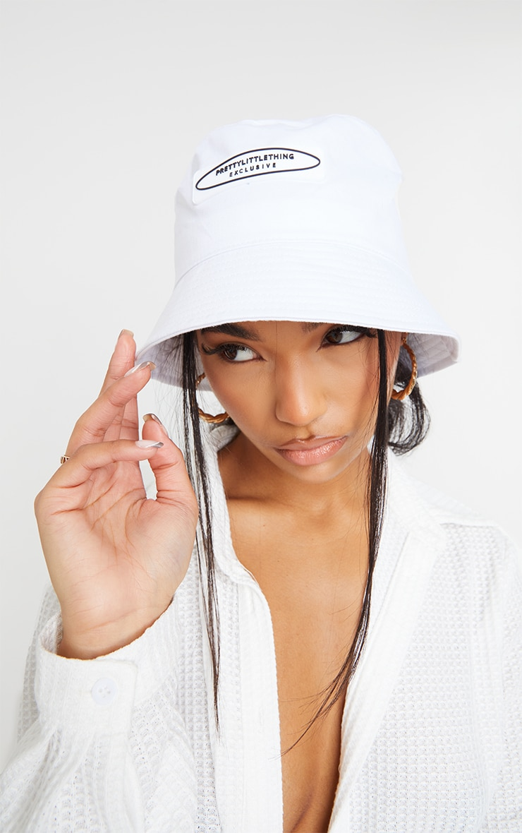 PRETTYLITTLETHING Exclusive White Bucket Hat 1