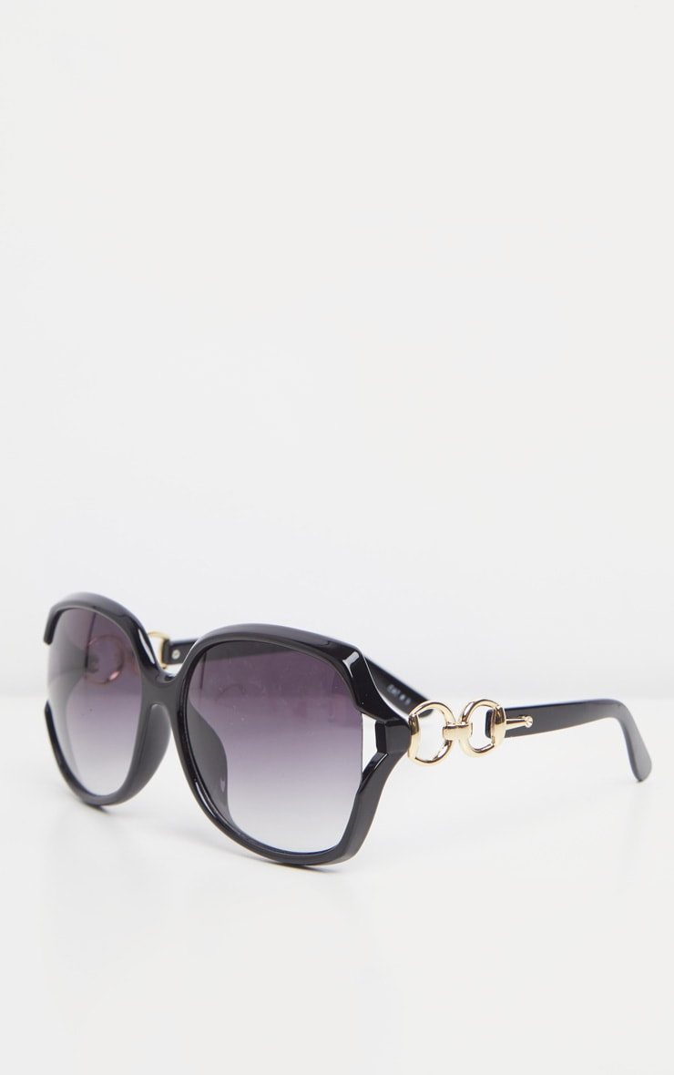 Black Oversized Gold Link Detail Tinted Sunglasses 4