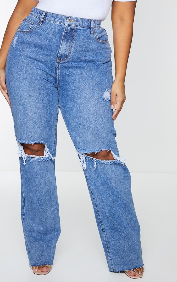PRETTYLITTLETHING Plus Mid Blue Wash Distressed Long Leg Straight Jean 2