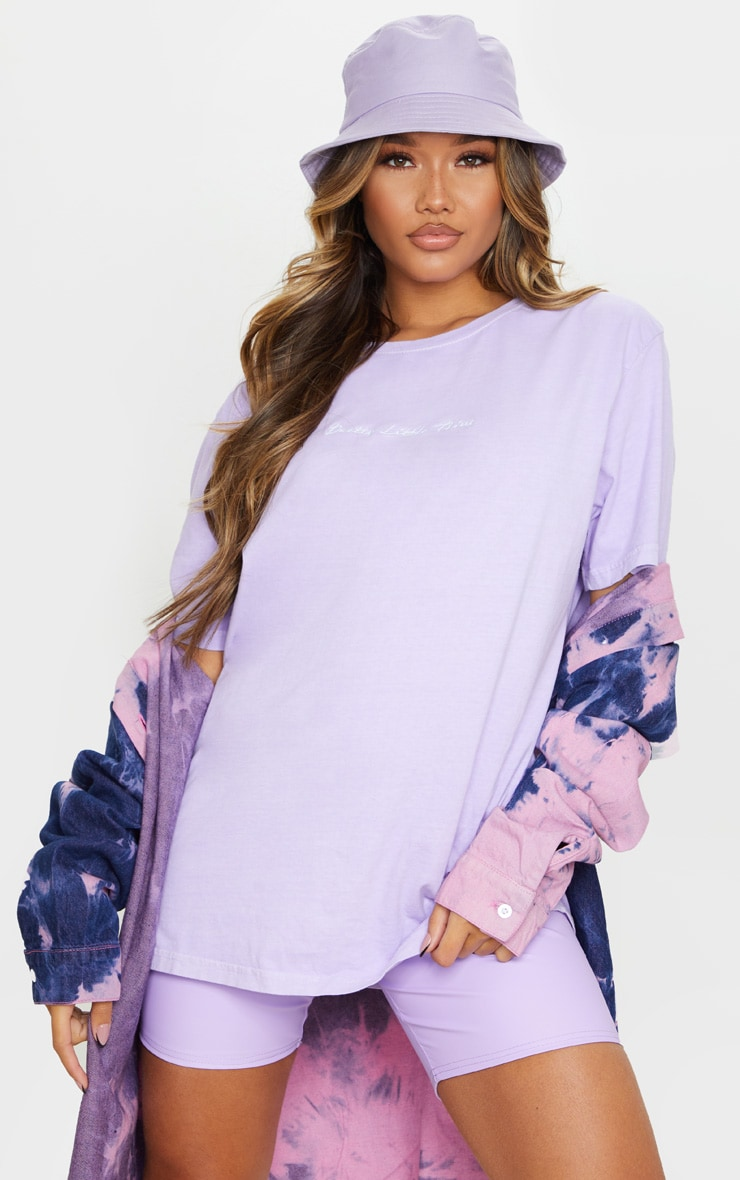 PRETTYLITTLETHING Lilac Embroidered Wash T Shirt 1