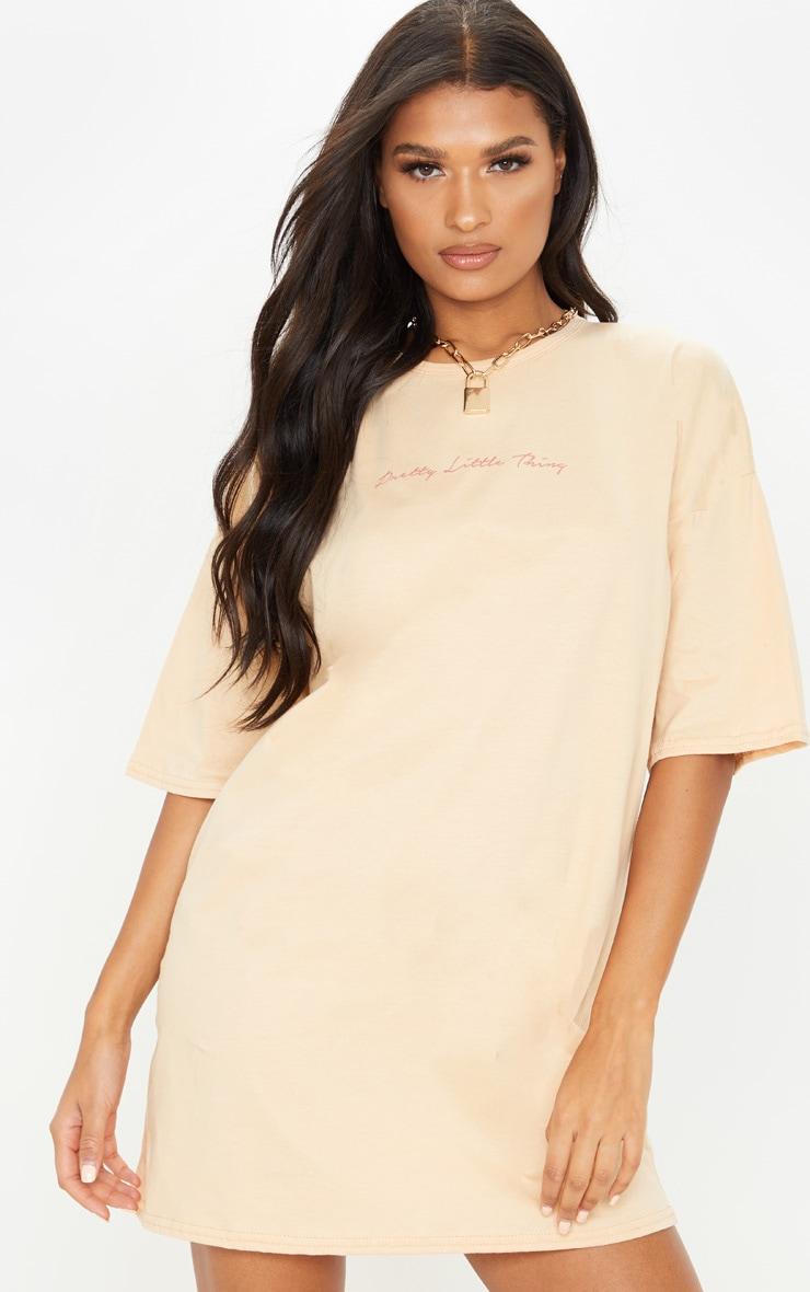 PRETTYLITTLETHING Fawn Slogan Oversized Boyfriend T Shirt Dress 1