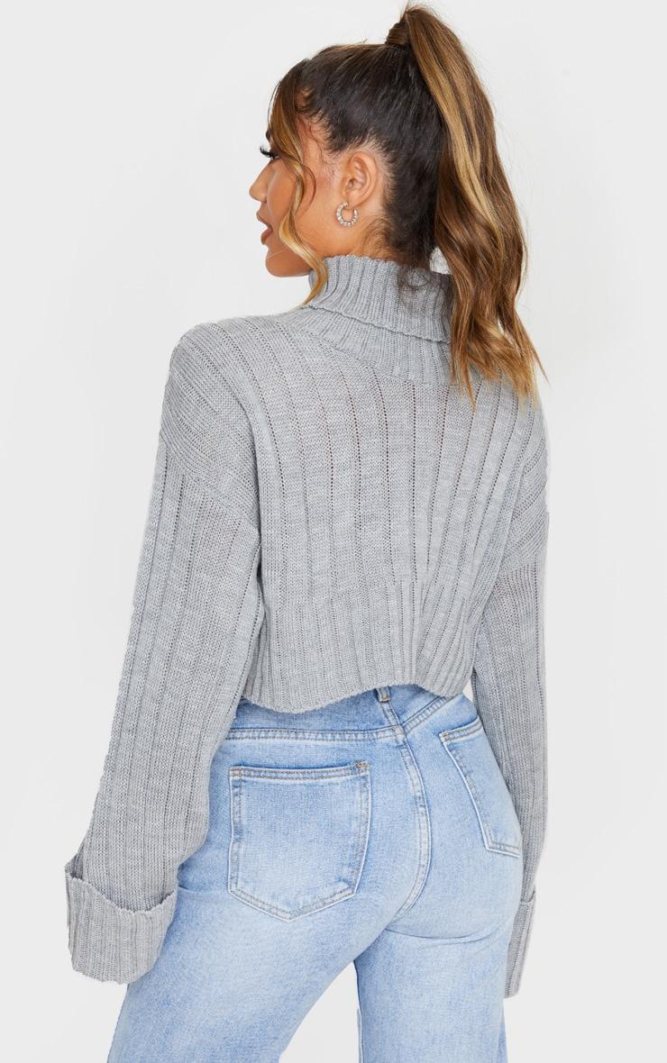 Pull court en maille tricot côtelée grise 2