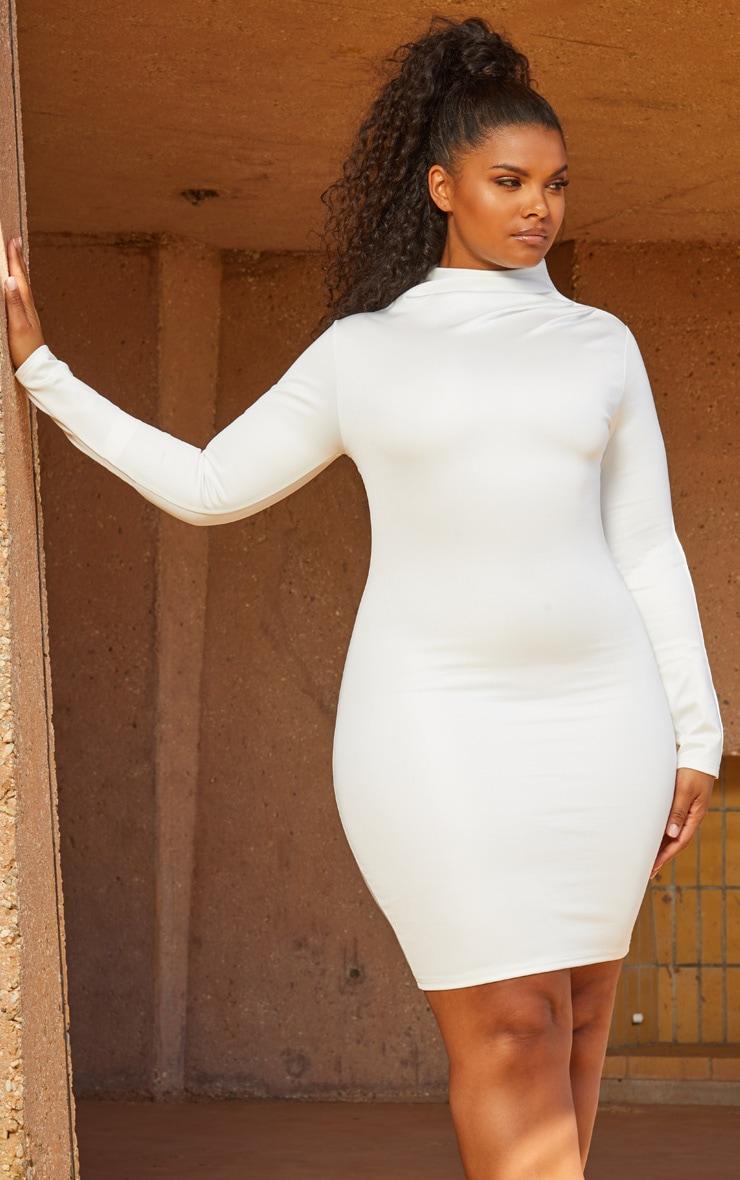 Seconde Peau Plus - Robe moulante blanche plissée à col haut 1