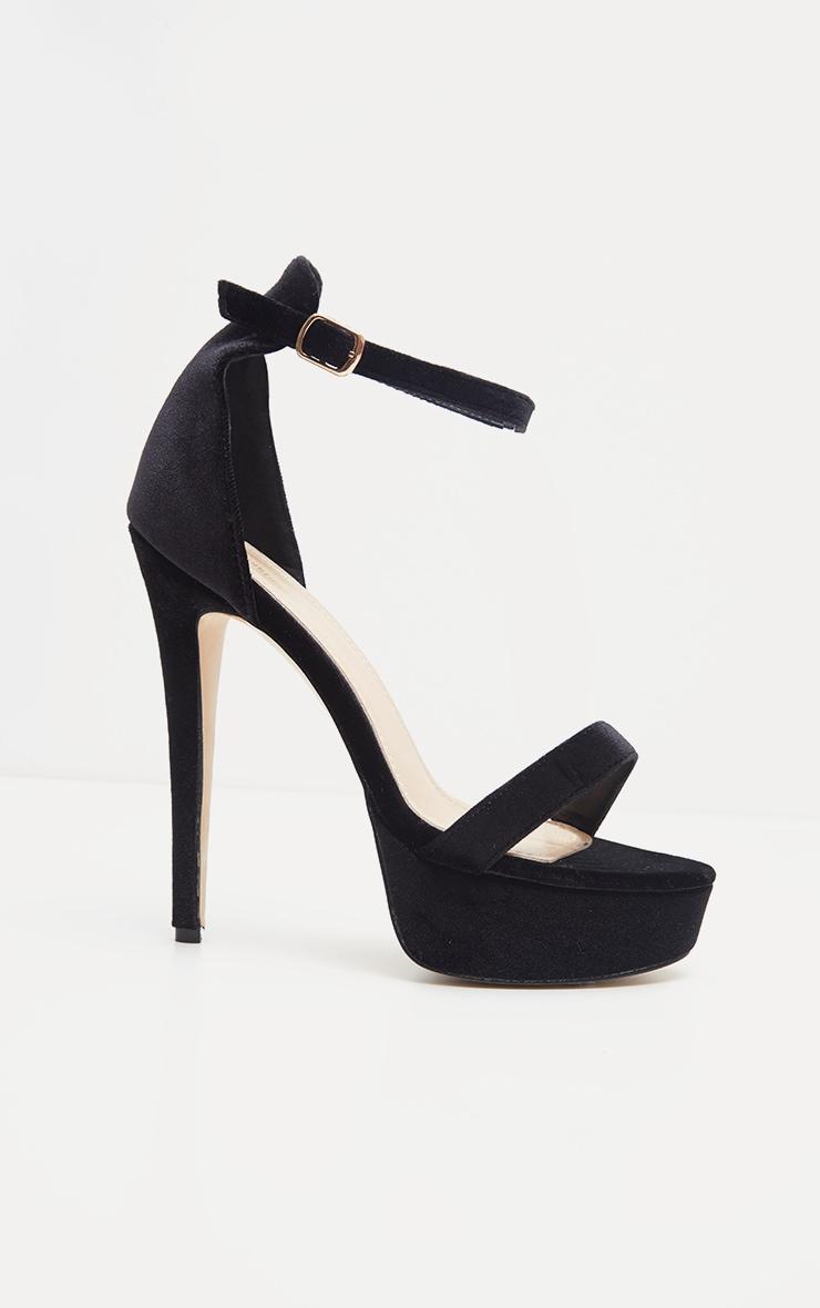 Sandales en velours noir à talons hauts et plateforme 4
