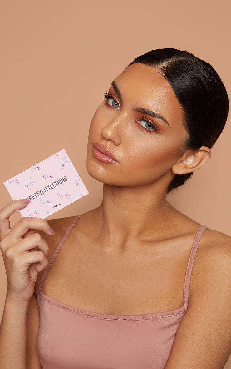 PRETTYLITTLETHING Brow Game Brow Kit 4