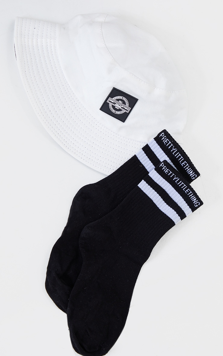 PRETTYLITTLETHING Black With White Striped Socks 3