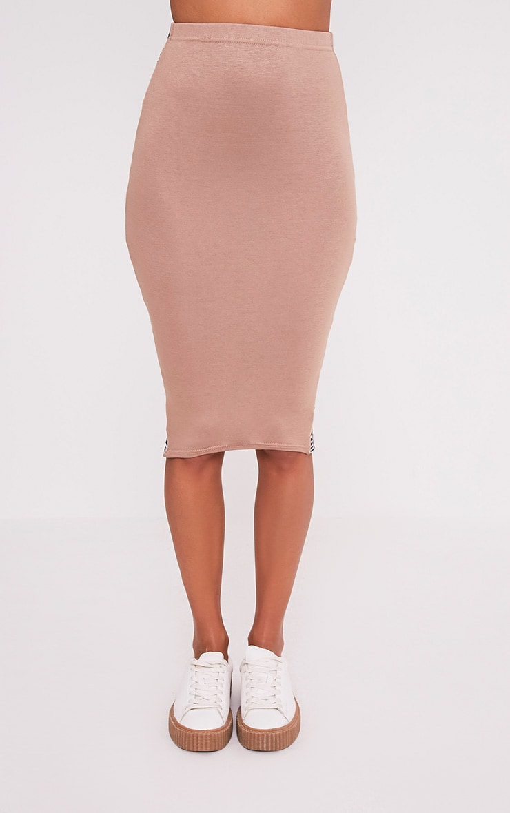 PRETTYLITTLETHING Side Panel Camel Midi Skirt 2