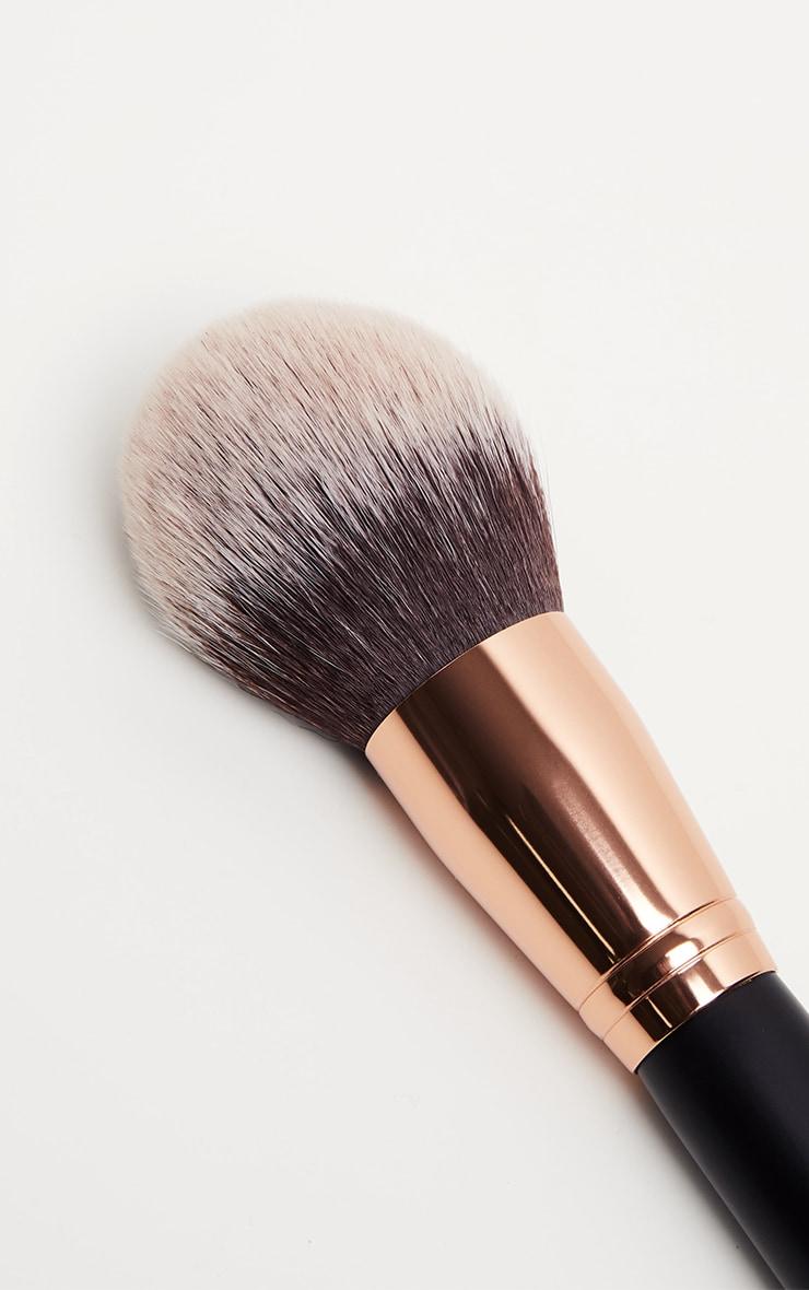 Morphe R0 Deluxe Powder Brush 2