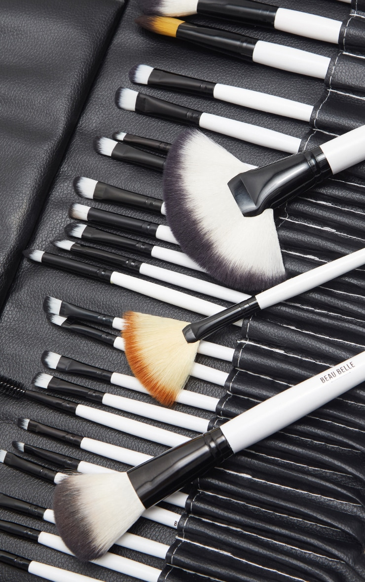 Beau Belle Brushes 36 Piece Mono Set 2