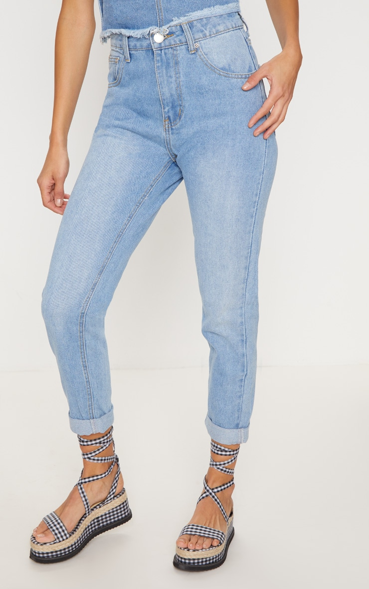 Light Blue Wash Mom Jean   2