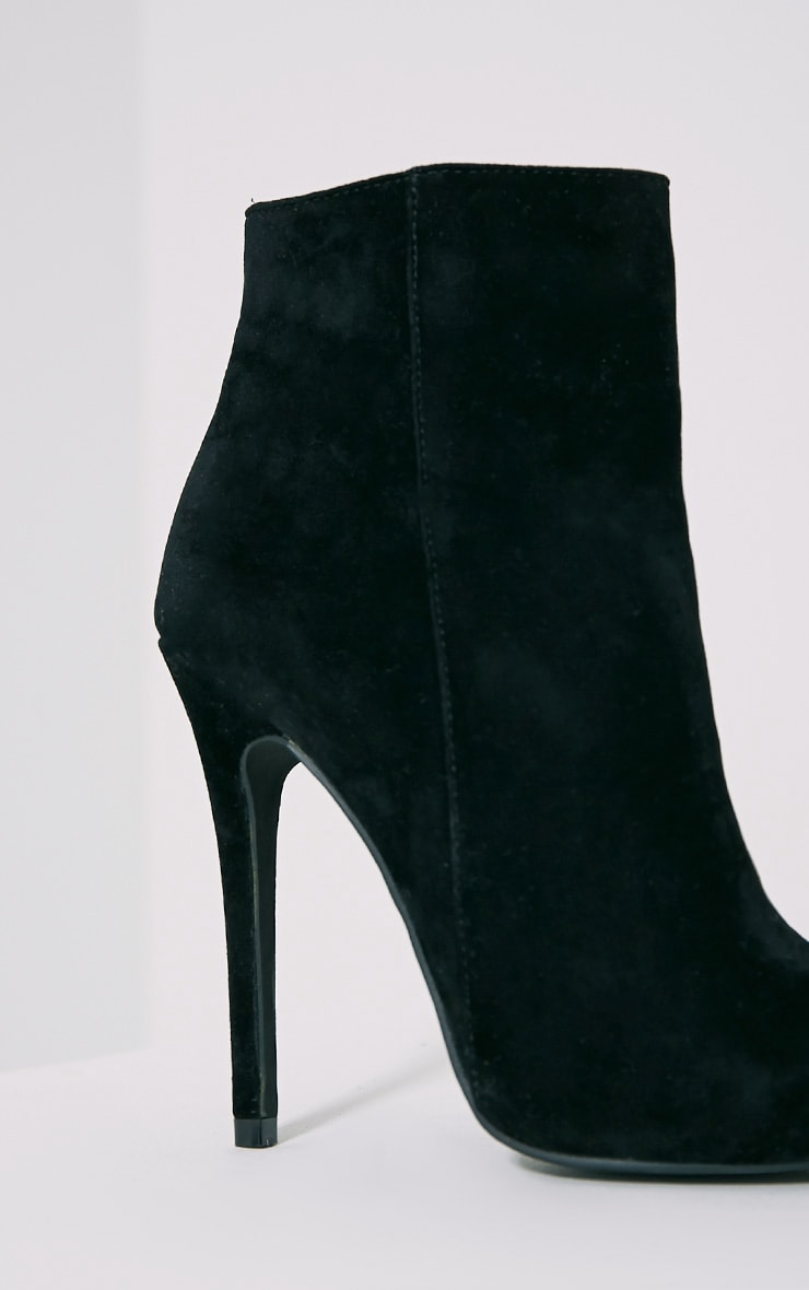 Yeni Black Suede Heeled Ankle Boots 6