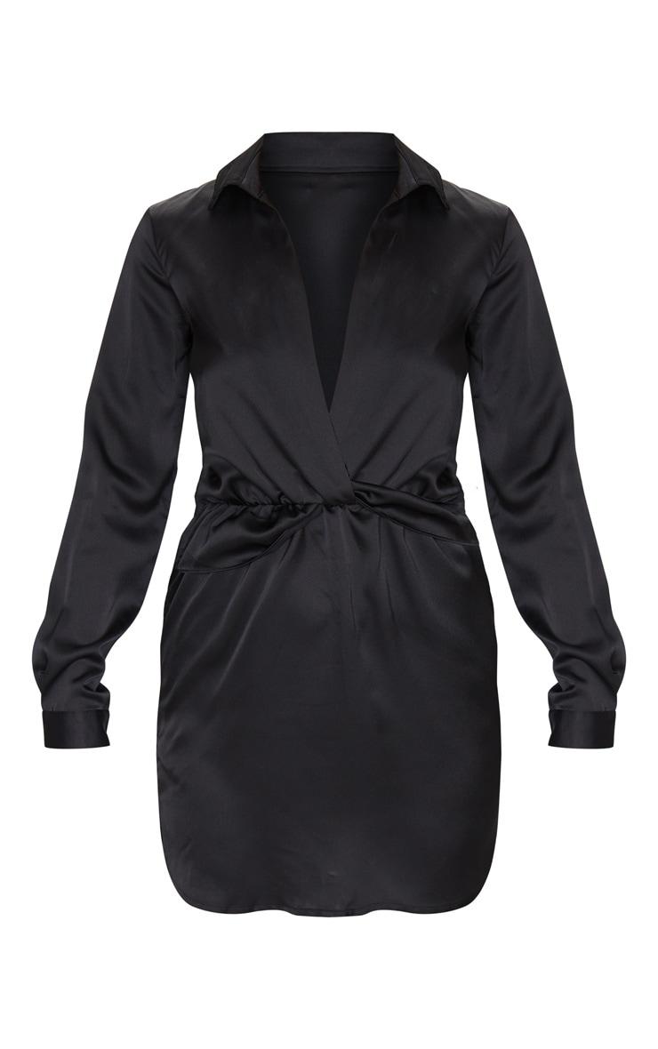 Robe chemise noire satinée torsadée devant 4
