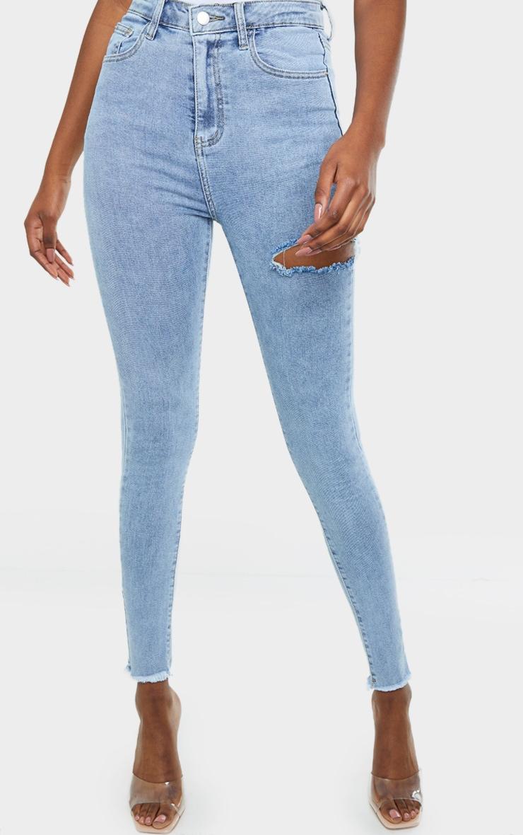 PRETTYLITTLETHING Tall Vintage Wash Thigh Rip Raw Hem 5 Pocket Skinny Jeans 2