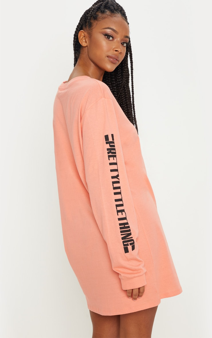 PRETTYLITTLETHING Pale Coral Oversized Long Sleeve T Shirt Dress 2