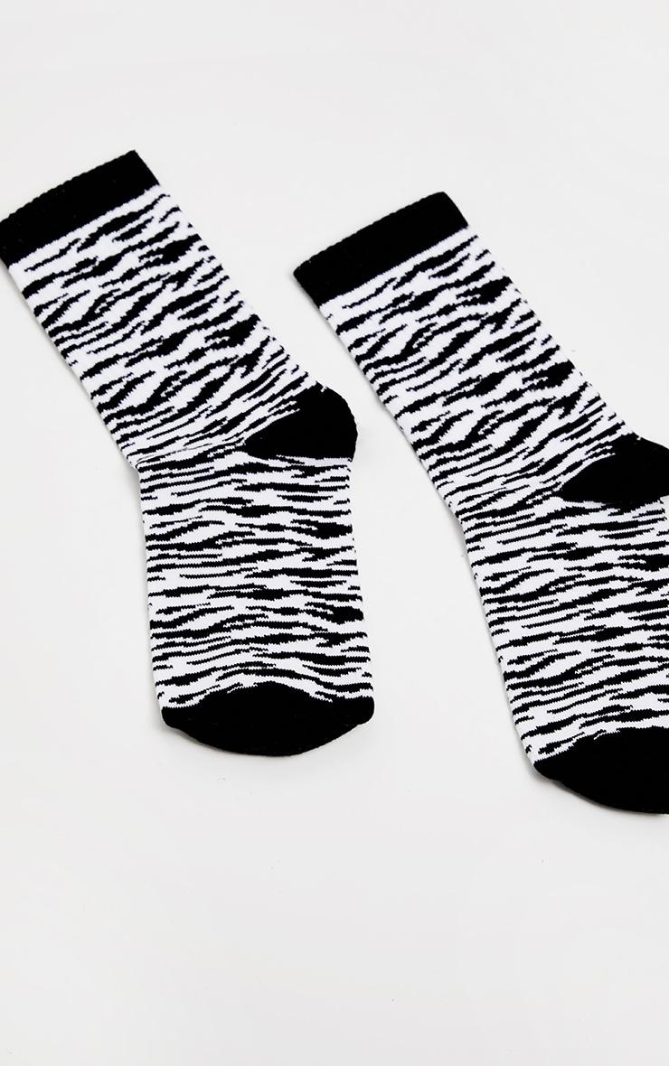 Chaussettes imprimées zèbre noires 3