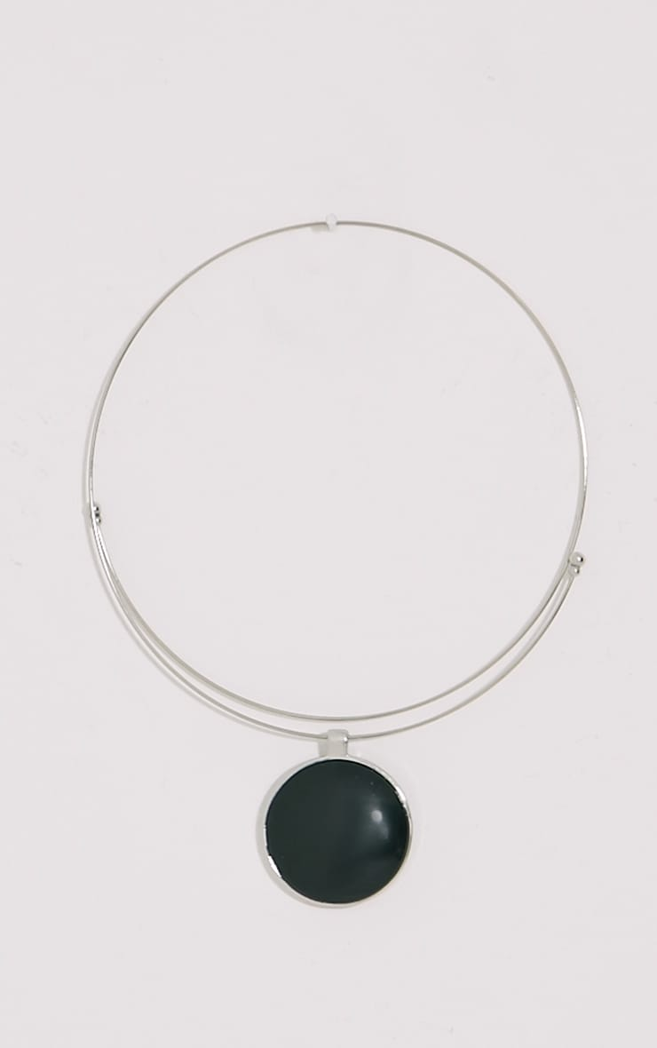 Hera Black Disc Silver Necklace 1