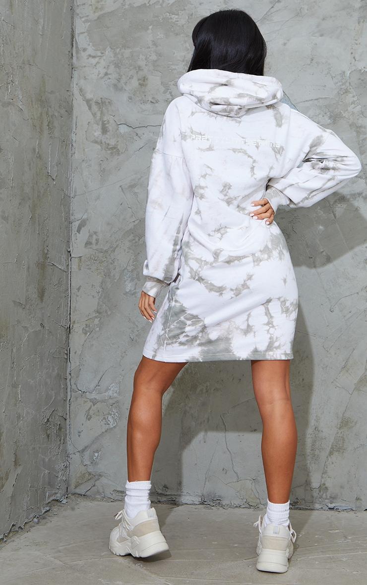 PRETTYLITTLETHING Petite Grey Tie Dye Sweater Dress 2